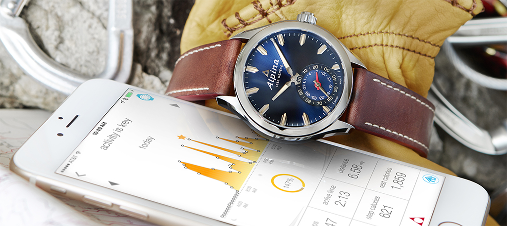 Alpina Horological Smartwatch Navy side